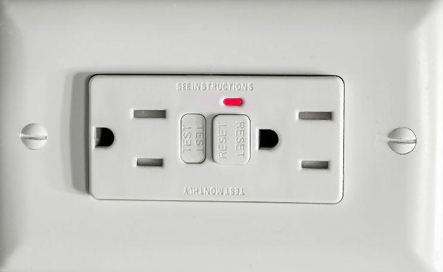 GFCI(ground-fault-circuit-interrupter)